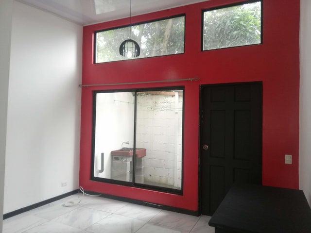 Apartamento San Jose>Sabana>San Jose - Alquiler:450 US Dollar - codigo: 21-430