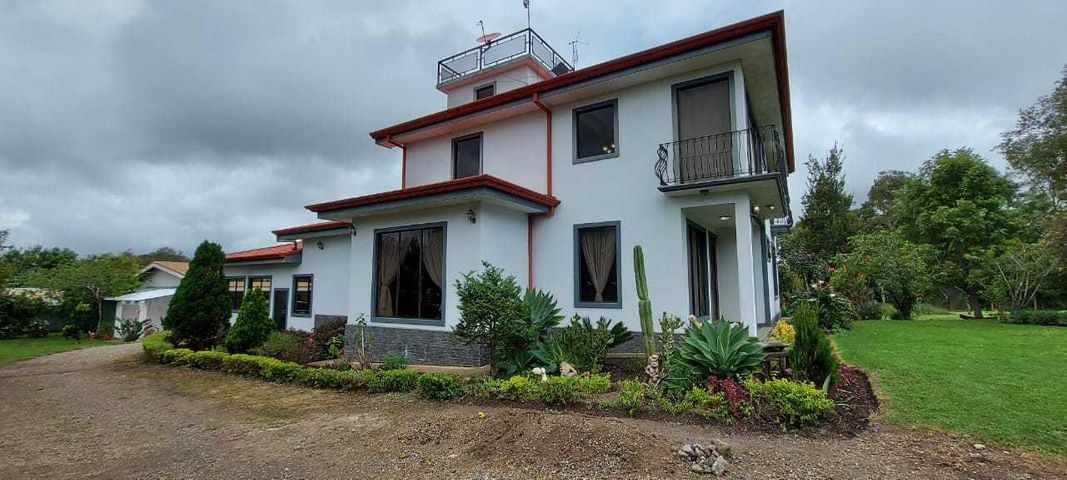 Casa Cartago>San Nicolas>Cartago - Venta:590.000 US Dollar - codigo: 21-543