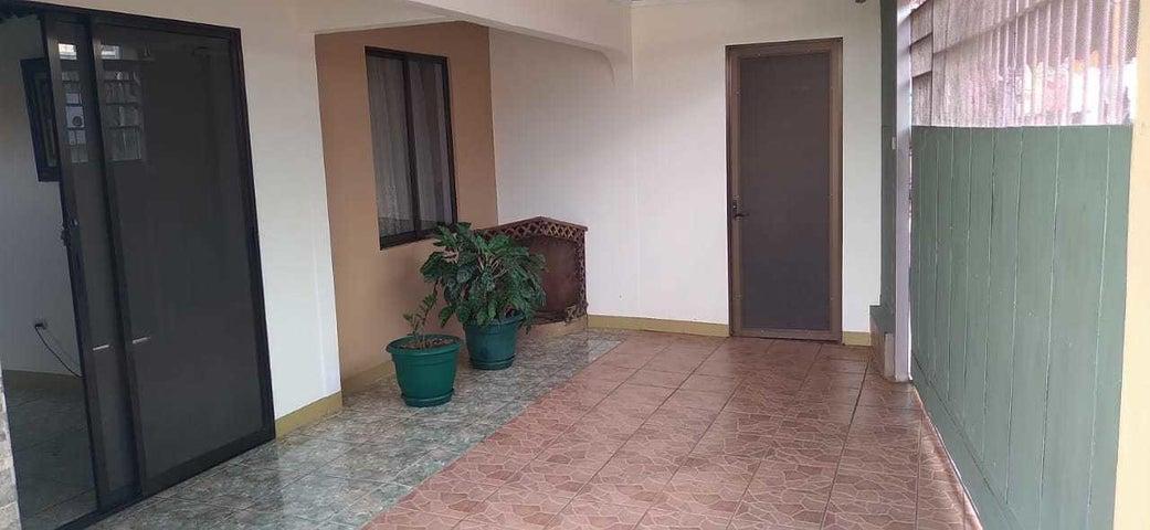Casa Alajuela>Desamparados>Alajuela - Venta:125.205 US Dollar - codigo: 21-579