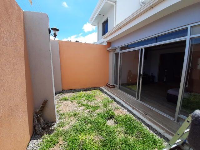 Casa San Jose>Ciudad Colon>Mora - Venta:200.000 US Dollar - codigo: 21-650