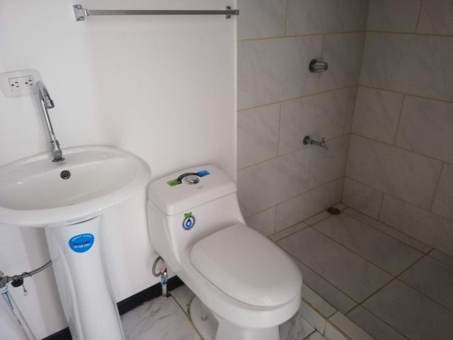 Apartamento San Jose>Sabana>San Jose - Alquiler:500 US Dollar - codigo: 21-695