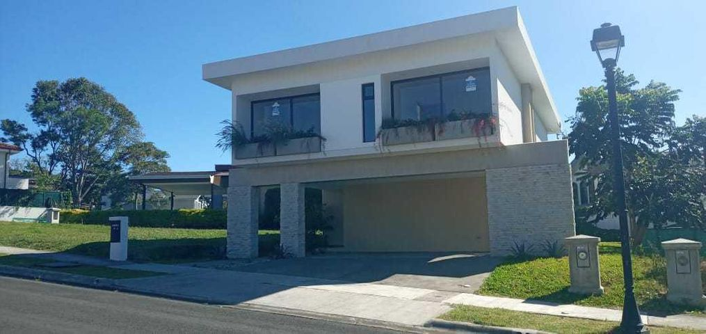 Casa Heredia>San Francisco de Heredia>Heredia - Venta:387.000 US Dollar - codigo: 21-712