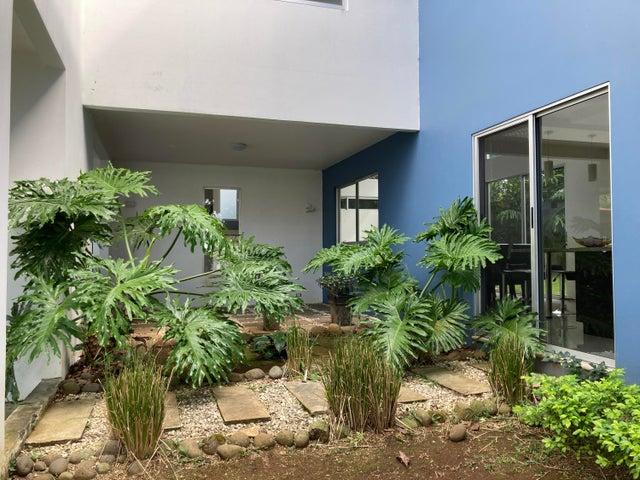 Casa Heredia>San Pedro>Barva - Venta:300.000 US Dollar - codigo: 21-772