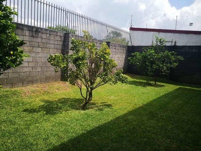 Casa Heredia>San Juan>Santa Barbara - Venta:240.000 US Dollar - codigo: 21-776