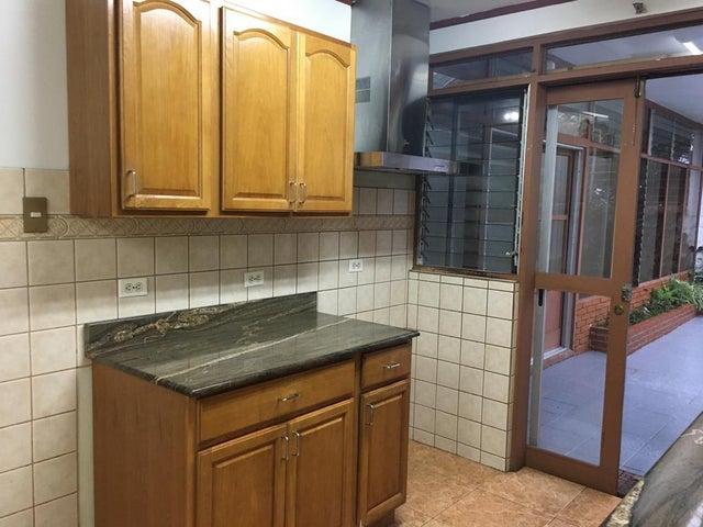 Casa San Jose>Sabana>San Jose - Venta:215.000 US Dollar - codigo: 21-809