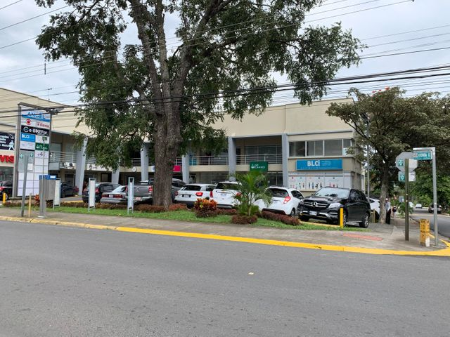 Local comercial San Jose>Santa Ana>Santa Ana - Venta:112.100 US Dollar - codigo: 21-822