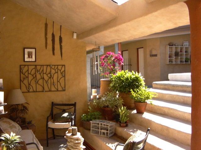 Casa San Jose>Santa Ana>Santa Ana - Venta:550.000 US Dollar - codigo: 21-834