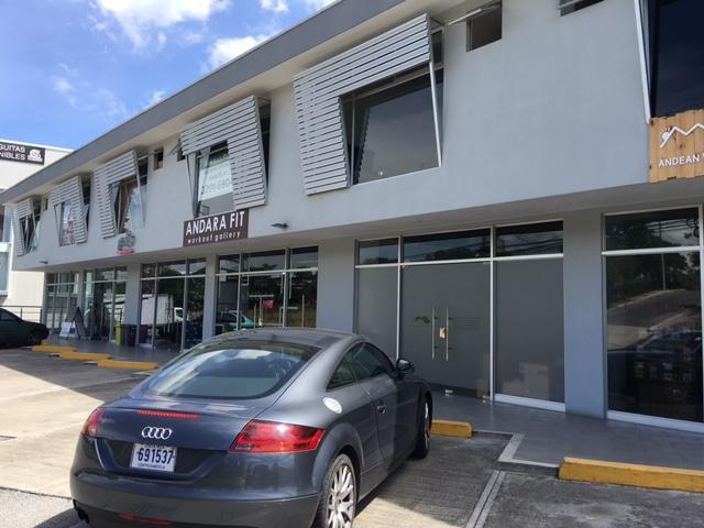 Local comercial San Jose>San Rafael Escazu>Escazu - Venta:250.000 US Dollar - codigo: 21-848
