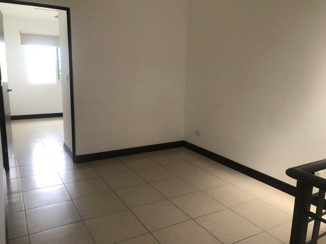 Casa San Jose>Guachipelin>Escazu - Venta:290.000 US Dollar - codigo: 21-897