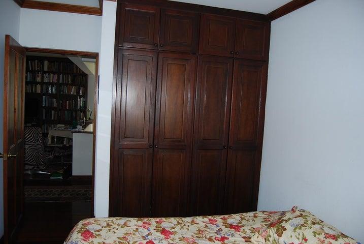 Casa San Jose>Escazu>Escazu - Venta:380.000 US Dollar - codigo: 21-930