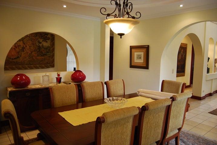 Casa San Jose>Santa Ana>Santa Ana - Venta:825.000 US Dollar - codigo: 21-931