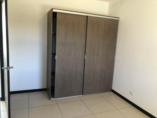 Apartamento Alajuela>Tambor>Alajuela - Venta:104.900 US Dollar - codigo: 21-947