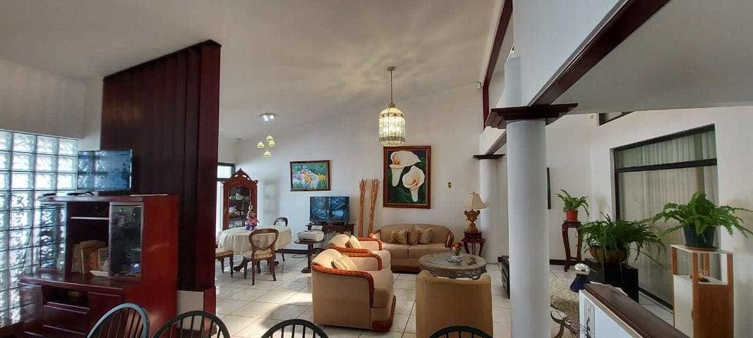 Casa San Jose>Granadilla>Curridabat - Venta:210.000 US Dollar - codigo: 21-959