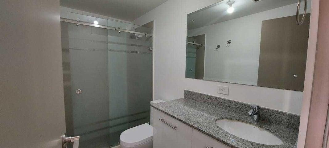 Apartamento San Jose>Curridabat>Curridabat - Alquiler:700 US Dollar - codigo: 21-1448