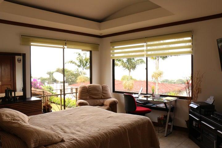 Casa San Jose>Escazu>Escazu - Venta:475.000 US Dollar - codigo: 21-1372