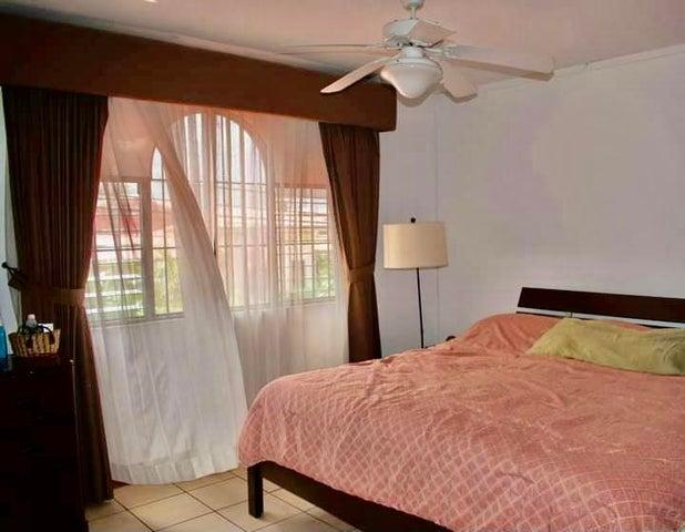 Casa Alajuela>Alajuela>San Rafael de Alajuela - Venta:156.000 US Dollar - codigo: 21-1398