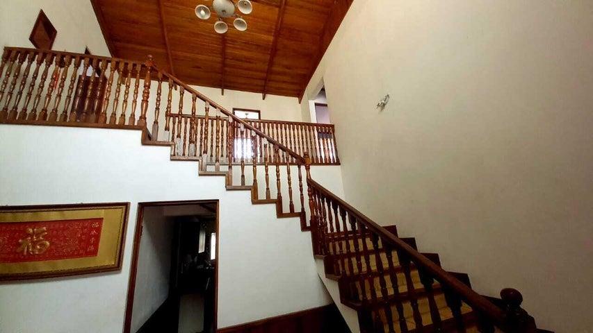 Casa San Jose>Rohrmoser>San Jose - Venta:205.000 US Dollar - codigo: 21-48