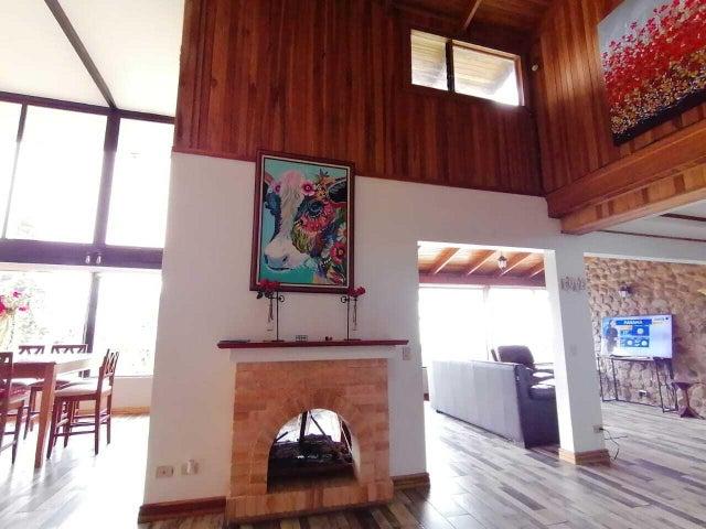 Casa San Jose>Las Nubes>Vazquez de Coronado - Venta:595.000 US Dollar - codigo: 21-1414