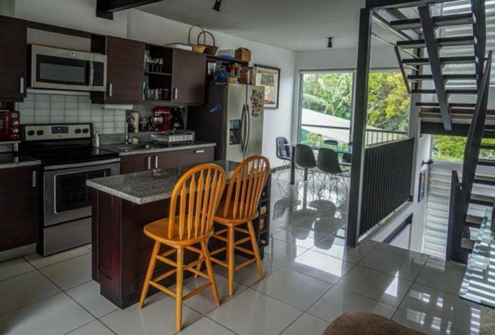 Casa San Jose>Rio Oro>Santa Ana - Venta:140.000 US Dollar - codigo: 21-1462