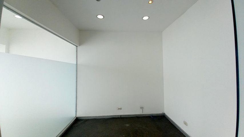Local comercial San Jose>Rio Oro>Santa Ana - Venta:135.000 US Dollar - codigo: 21-1670