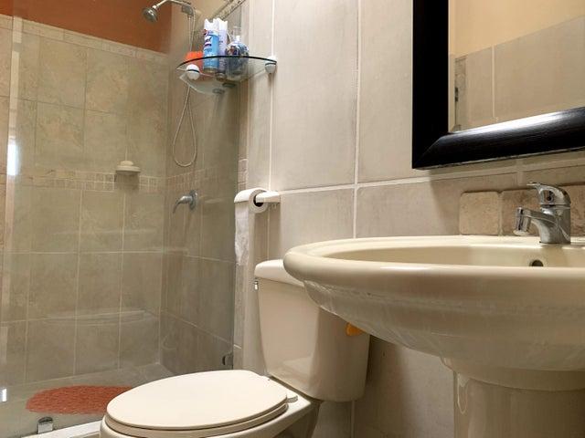 Casa San Jose>Guachipelin>Santa Ana - Venta:210.000 US Dollar - codigo: 21-1540