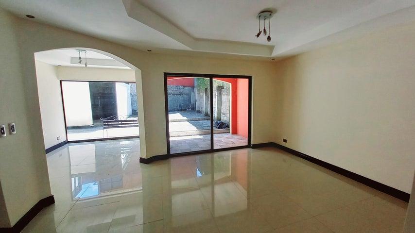 Casa San Jose>Rio Oro>Santa Ana - Venta:285.000 US Dollar - codigo: 21-1568