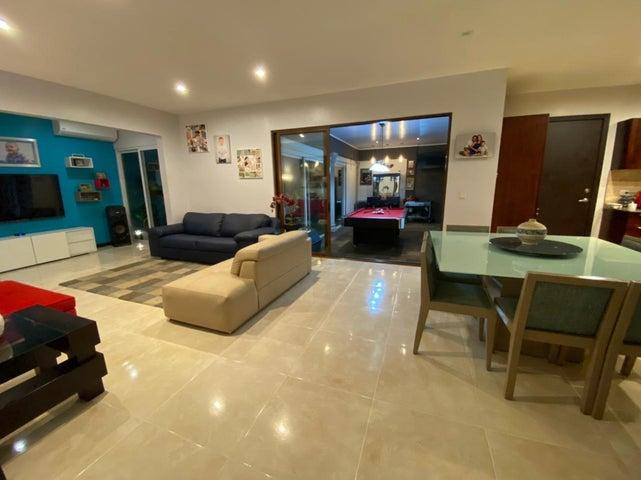 Casa Heredia>Ulloa>Heredia - Venta:475.000 US Dollar - codigo: 21-1558