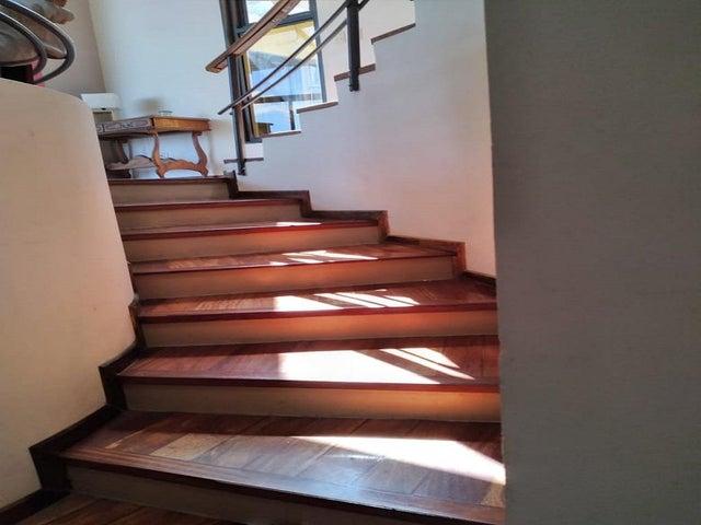 Casa San Jose>Escazu>Escazu - Venta:680.000 US Dollar - codigo: 21-18