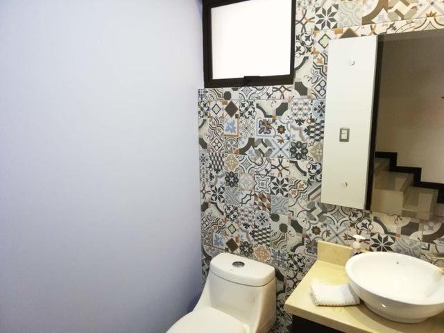 Casa San Jose>Rio Oro>Santa Ana - Venta:275.000 US Dollar - codigo: 21-1616