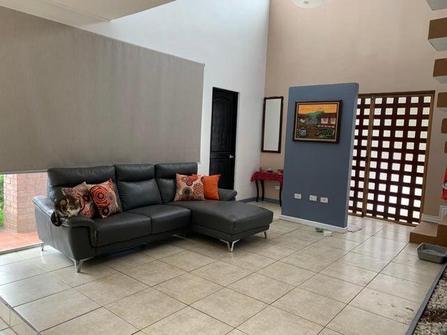 Casa San Jose>Brasil de Santa Ana>Santa Ana - Alquiler:1.100 US Dollar - codigo: 21-1655