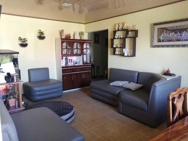 Casa San Jose>VC San Isidro>Vazquez de Coronado - Venta:342.000 US Dollar - codigo: 21-1693