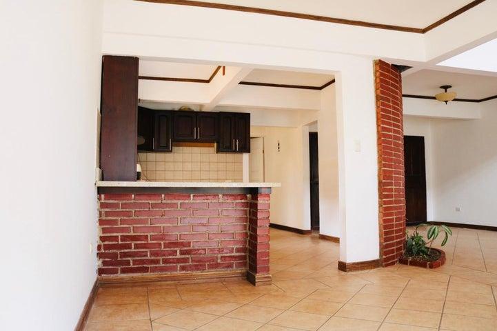 Casa Heredia>Santa Barbara>Santa Barbara - Venta:239.000 US Dollar - codigo: 21-825