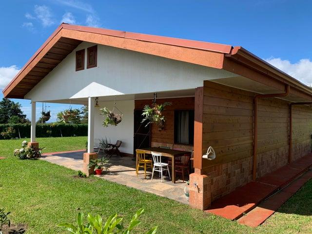 Casa Alajuela>San Isidro>Poas - Venta:190.000 US Dollar - codigo: 21-1787