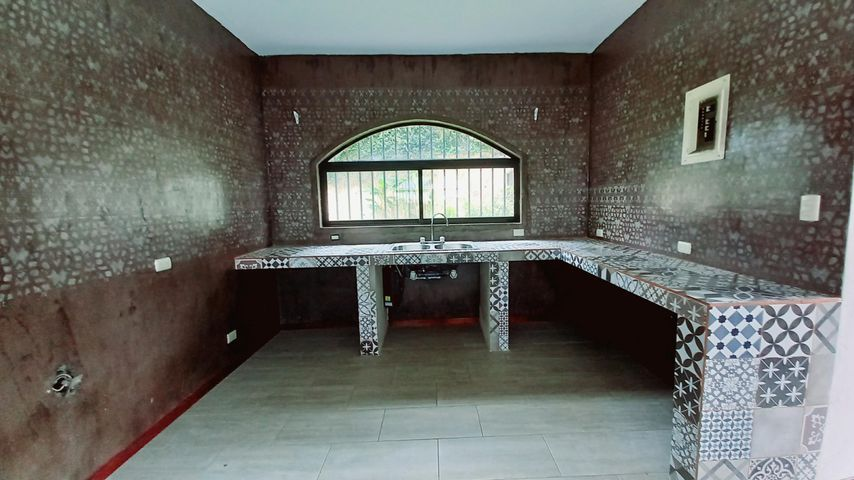 Casa San Jose>Brasil de Santa Ana>Santa Ana - Alquiler:2.000 US Dollar - codigo: 21-1838