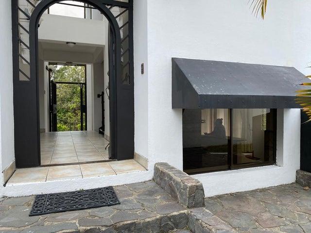 Casa San Jose>Brasil de Santa Ana>Santa Ana - Venta:342.000 US Dollar - codigo: 21-1941