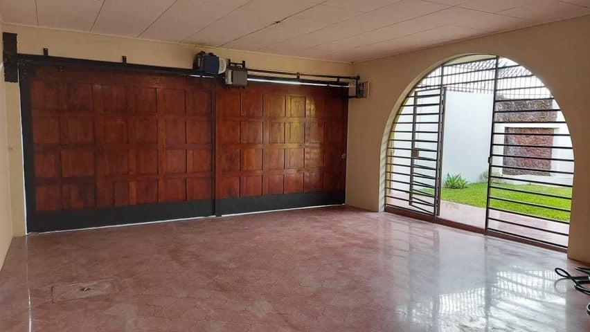 Casa San Jose>Curridabat>Curridabat - Venta:350.000 US Dollar - codigo: 21-1956