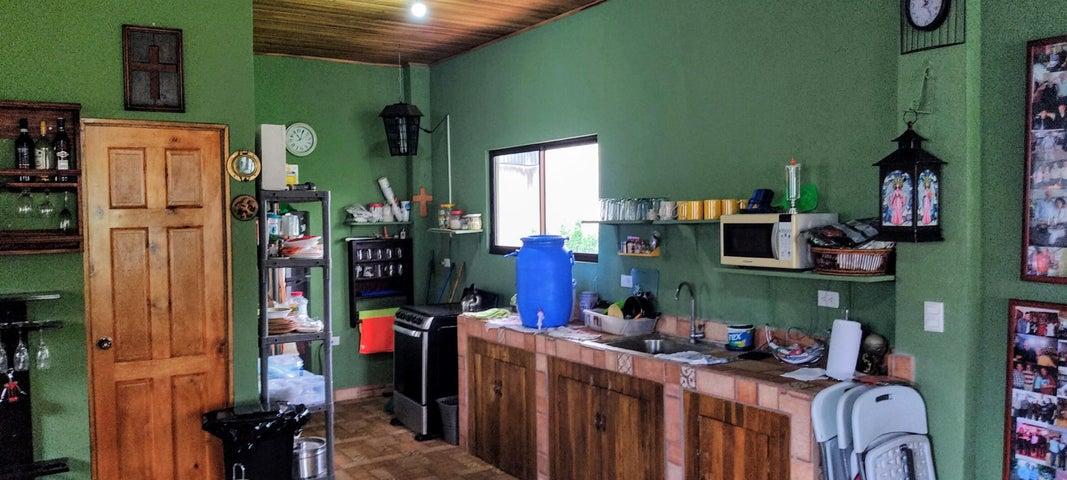 Casa Alajuela>Atenas>Atenas - Venta:250.000 US Dollar - codigo: 21-2242