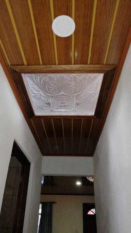 Casa Cartago>El Tejar>El Guarco - Venta:90.000 US Dollar - codigo: 21-2262