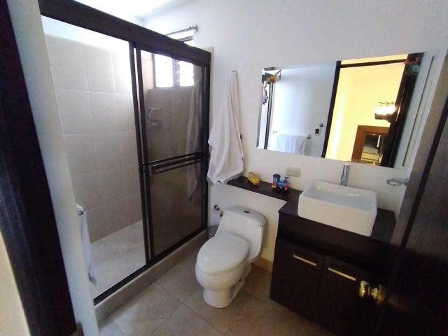 Casa San Jose>Escazu>Escazu - Venta:235.000 US Dollar - codigo: 21-2269