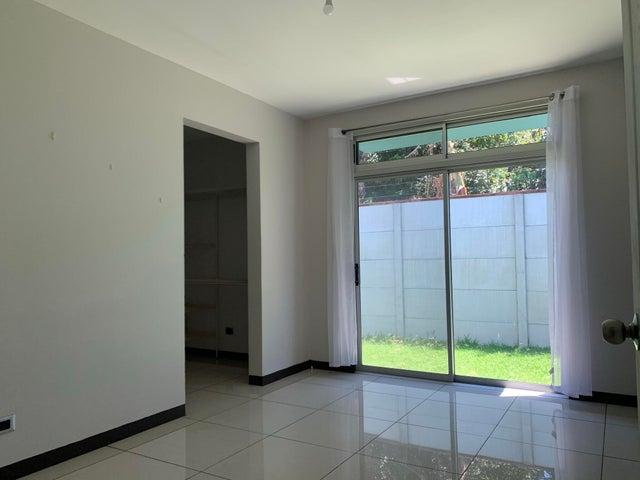 Casa Alajuela>Desamparados>Alajuela - Venta:185.000 US Dollar - codigo: 21-2271