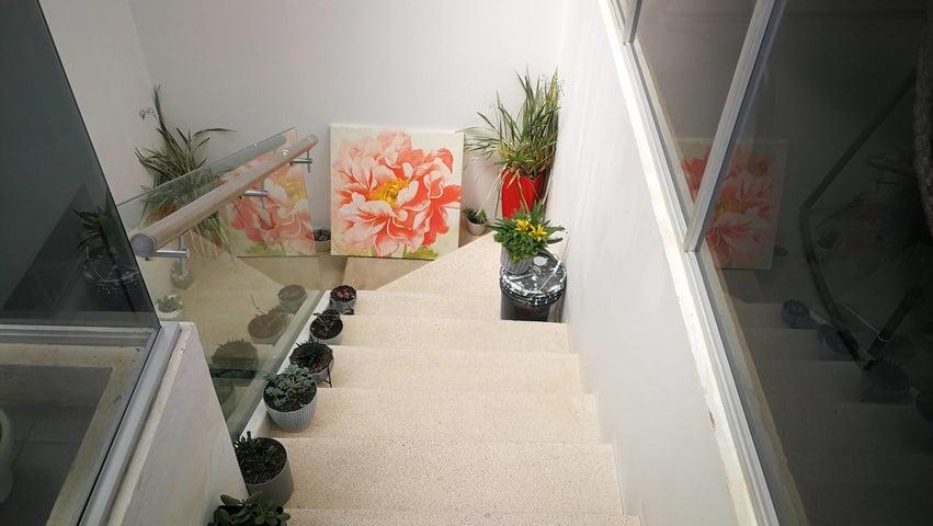 Casa San Jose>San Rafael>Montes de Oca - Venta:390.000 US Dollar - codigo: 21-2264