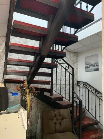 Edificio San Jose>Curridabat>Curridabat - Venta:300.000 US Dollar - codigo: 21-2411