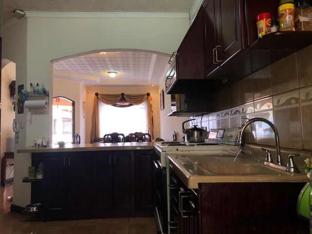 Casa Heredia>San Francisco de Heredia>Heredia - Venta:145.000 US Dollar - codigo: 21-2418