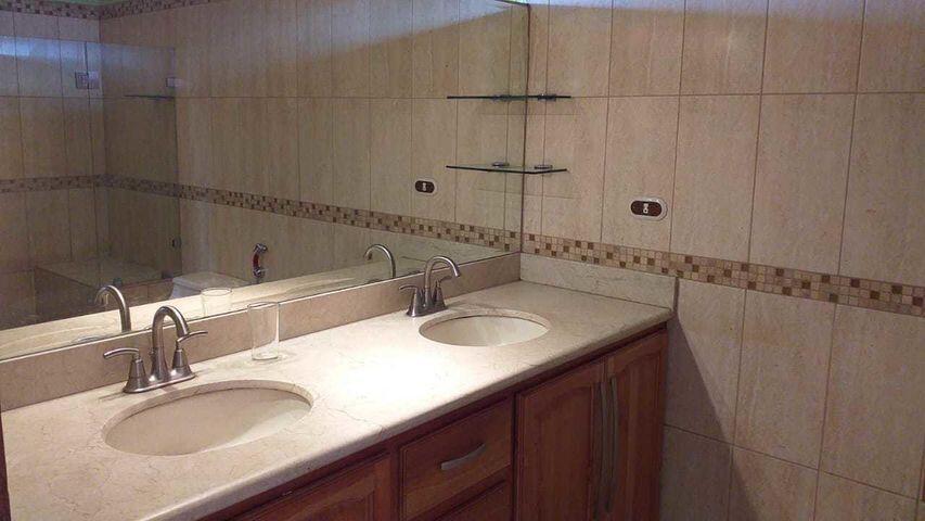 Apartamento San Jose>San Rafael Escazu>Escazu - Alquiler:550 US Dollar - codigo: 21-2427
