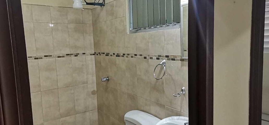Apartamento San Jose>Curridabat>Curridabat - Alquiler:399 US Dollar - codigo: 21-2442