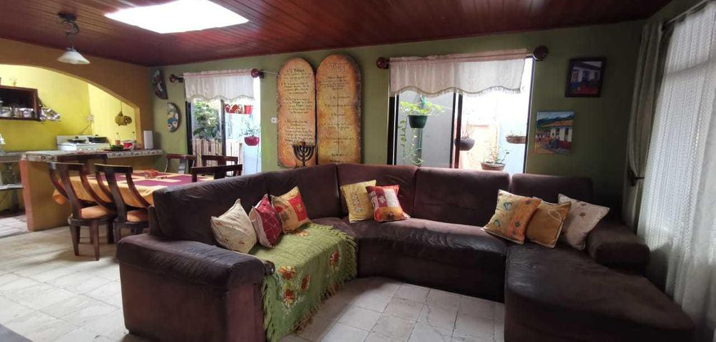 Casa Heredia>San Rafael>Heredia - Venta:94.000 US Dollar - codigo: 21-2477