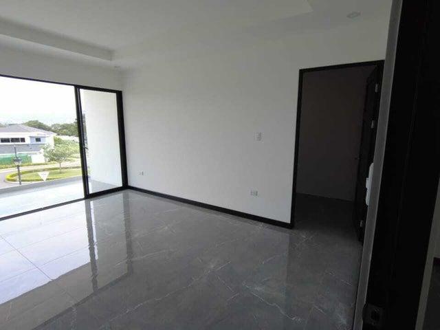Casa Heredia>Ulloa>Heredia - Venta:365.000 US Dollar - codigo: 21-2489