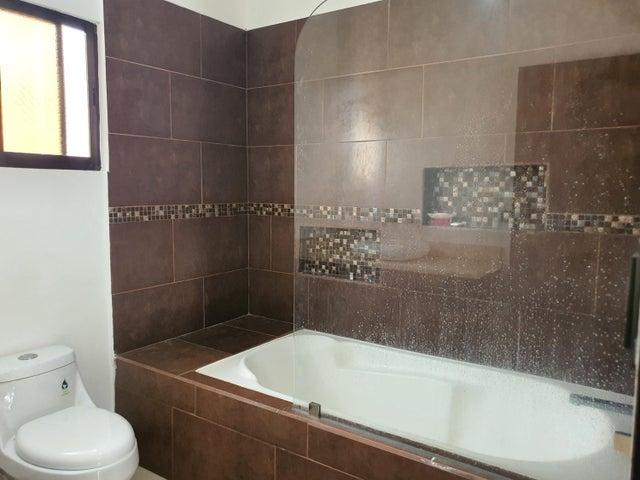 Casa San Jose>Lomas de Ayarco Sur>Curridabat - Venta:265.000 US Dollar - codigo: 21-2500
