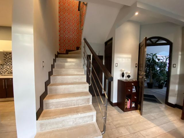 Casa San Jose>Guachipelin>Escazu - Venta:285.000 US Dollar - codigo: 21-2522