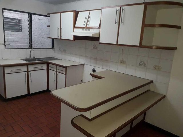 Apartamento San Jose>Curridabat>Curridabat - Alquiler:650 US Dollar - codigo: 21-2507
